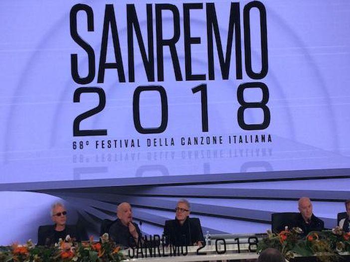 Sanremo 2018, i Decibel in sala stampa con Midge Ure degli Ultravox