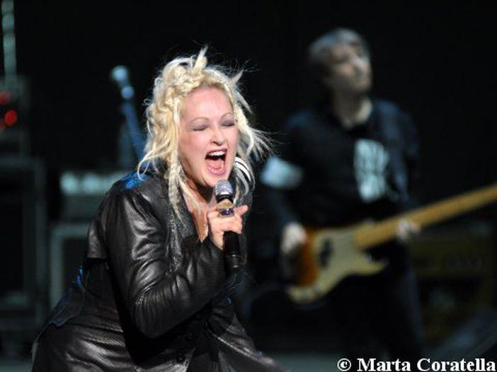 Cyndi Lauper, Linda Perry e Willie Dixon entrano nella Songwriters Hall of Fame: la cerimonia a New York - FOTO e VIDEO