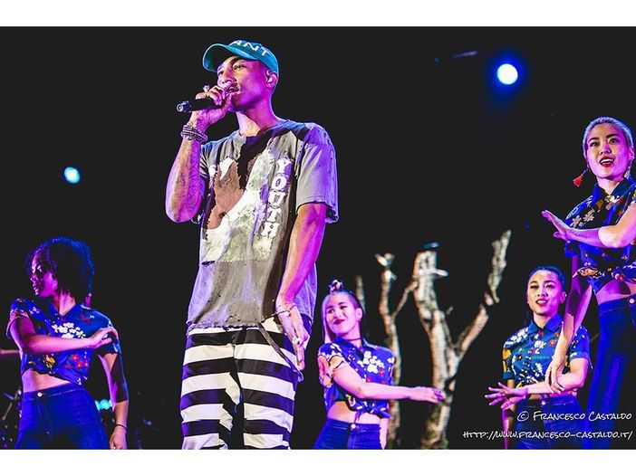 Pharrell Williams presenta il progetto green RAW for the Oceans