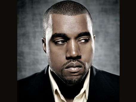 Classifiche UK: Kanye West batte 50 Cent. In Top 15 anche Pavarotti