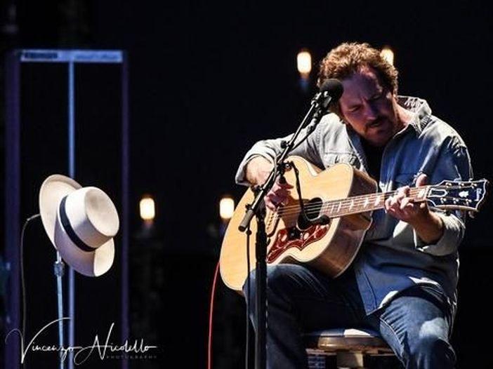 "Eddie Vedder pubblica lo strumentale ""Cartography"""