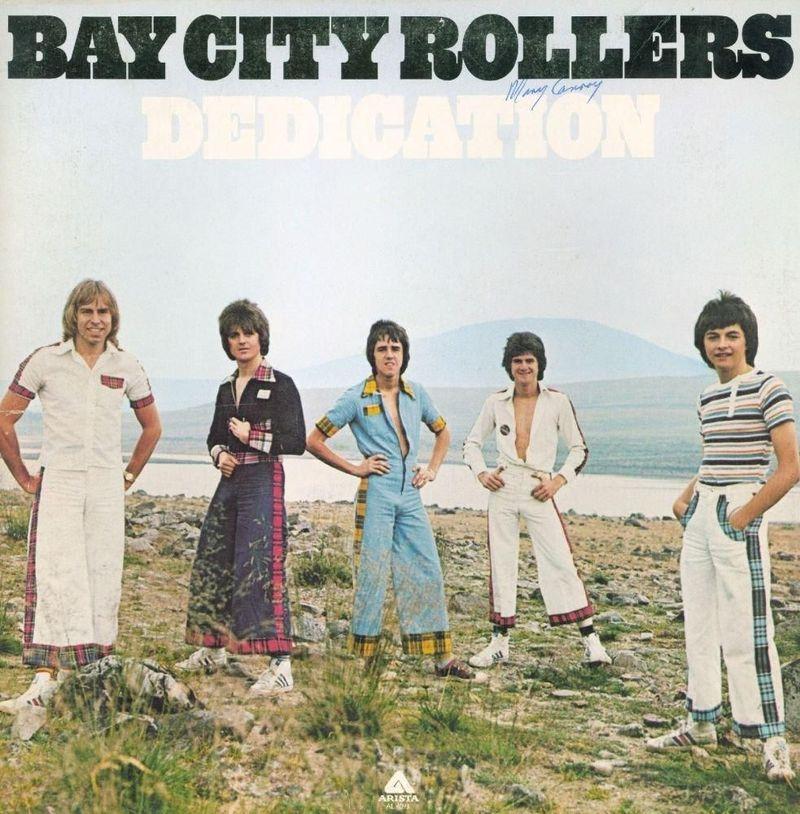 È morto Les McKeown, il cantante dei fenomeni scozzesi Bay City Rollers