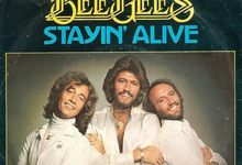 Bradley Cooper sarà Barry Gibb in un biopic sui Bee Gees?
