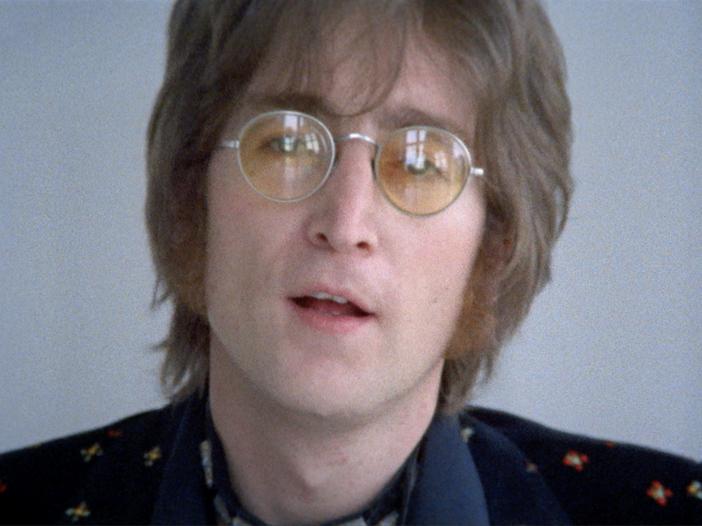 In vendita la celebre foto con gli occhiali insanguinati di Lennon