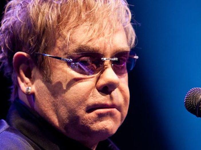 Quando Filippo di Edimburgo diede dell'idiota a Elton John