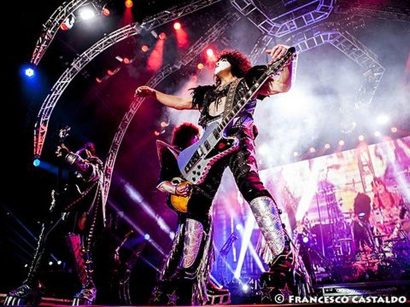Accadde nel rock, oggi 24 novembre: Eric Carr, Julieta Venegas, Carmel, Tom Odell, Freddie Mercury, Pino Donaggio