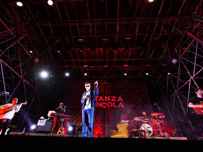 La 'Stanza singola' di Franco126 sul palco del Rock in Roma