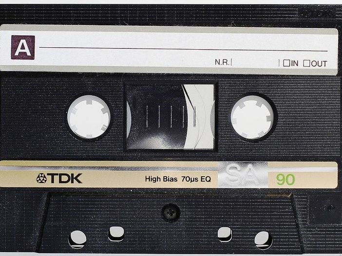 Cassette e nastri: un revival a metà