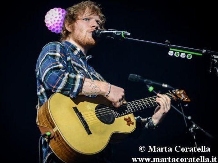 Torna Bridget Jones al cinema, con cameo di Ed Sheeran e una puntatina a Glastonbury - VIDEO