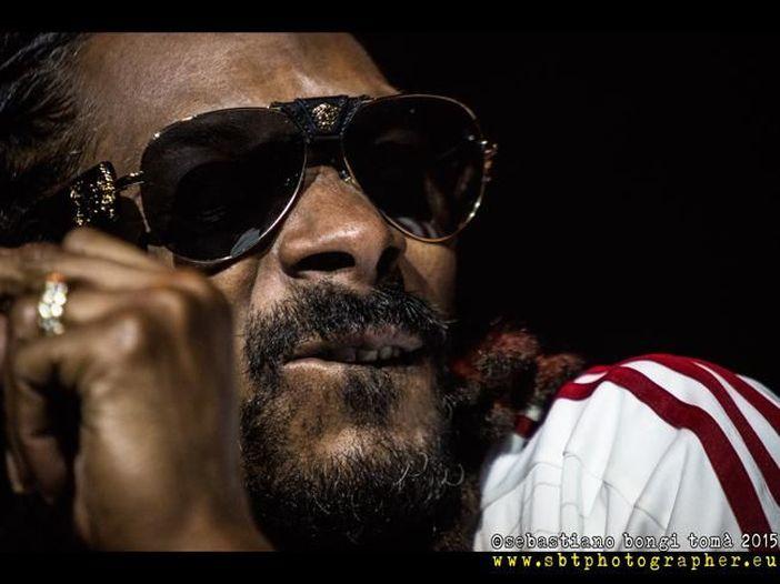 Snoop Dogg fa un regalo esagerato alla leggenda del basket Kobe Bryant - GUARDA