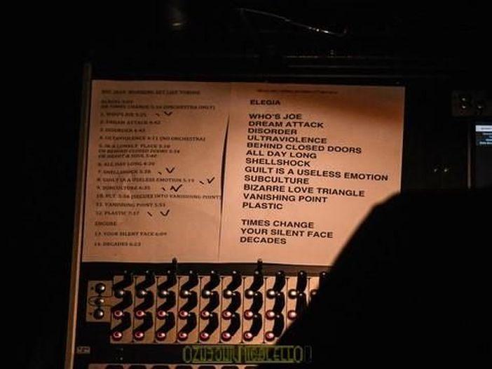 New Order, ascolta qui il primo singolo dal nuovo album 'Music complete', 'Restless' - AUDIO