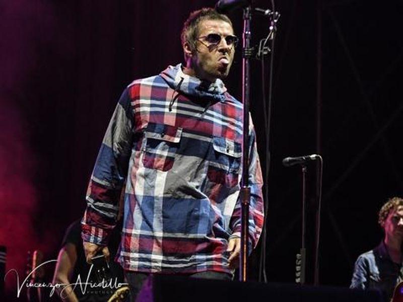 """Liam Gallagher canta """"Hello"""" per la prima volta dopo 18 anni"""