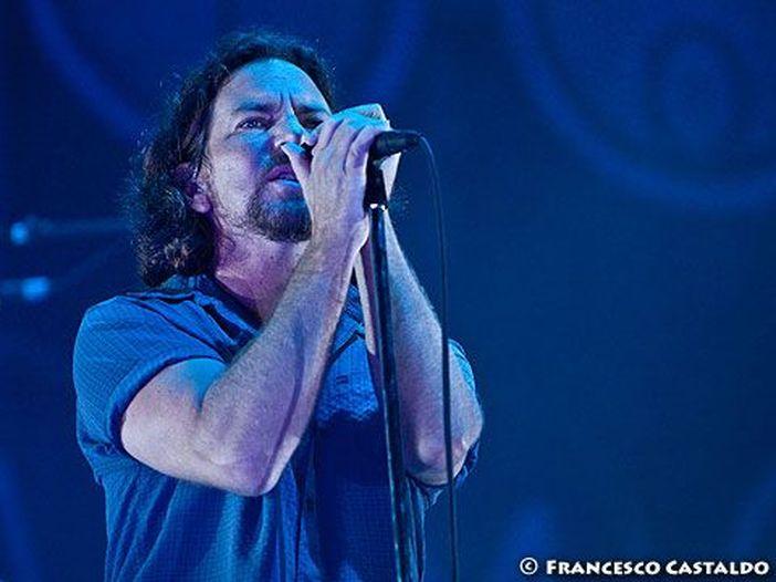 I Pearl Jam a sostegno della campagna #ThrowThemOut: 'Fuori dal Congresso chi si oppone al controllo delle armi'
