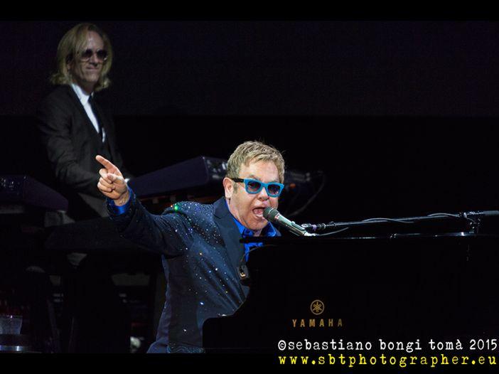 Elton John, dieci rarità per festeggiare i suoi 73 anni