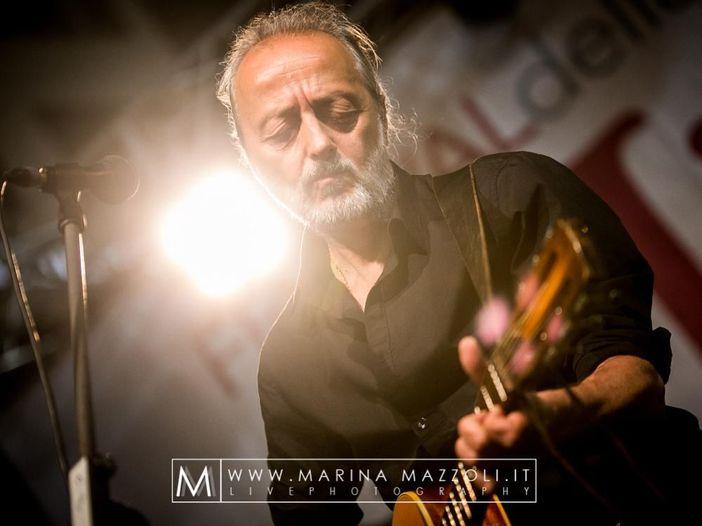 """Cesare Basile, il nuovo album: """"canto lo stato d'assedio che viviamo"""""""