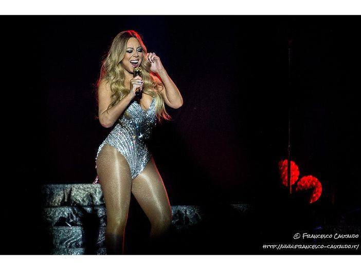 Mariah Carey: scandalo mazzette ai concerti della cantante, otto condannati