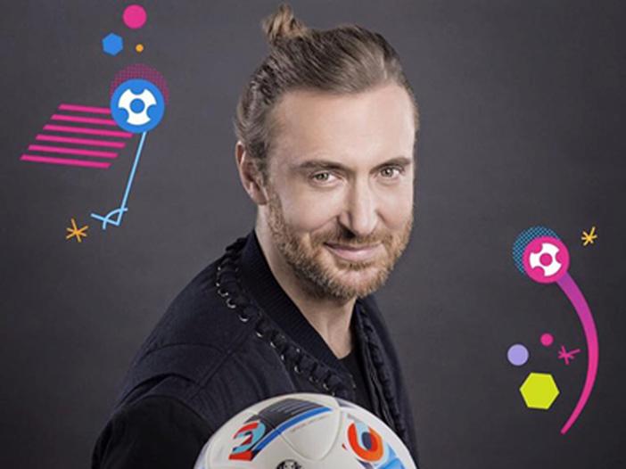 """Europei 2016, prima della partita """"Seven nation army"""" e """"This one's for you"""" con David Guetta e Zara Larsson - VIDEO"""