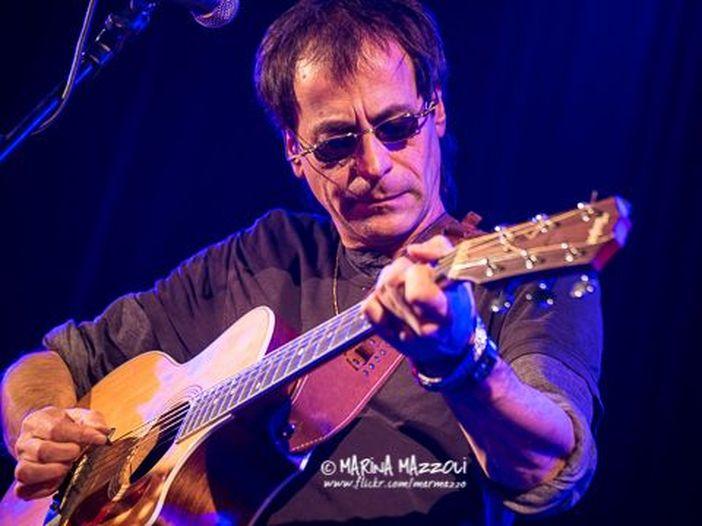 """Massimo Priviero, le canzoni del nuovo album """"All'Italia"""" in anteprima esclusiva acustica per Rockol: oggi """"Aquitania"""""""