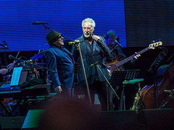 Van Morrison e Tom Jones al Lucca Summer Festival: live report