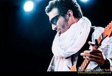 Chi è Bombino, il chitarrista Tuareg oggi sul palco del Concerto del Primo Maggio di Roma