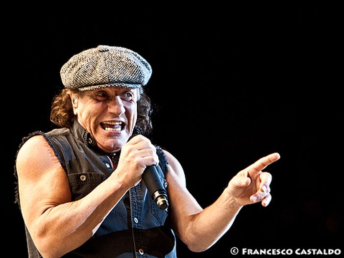 Guarda Brian Johnson (AC/DC) sul palco con Mick Fleetwood – VIDEO