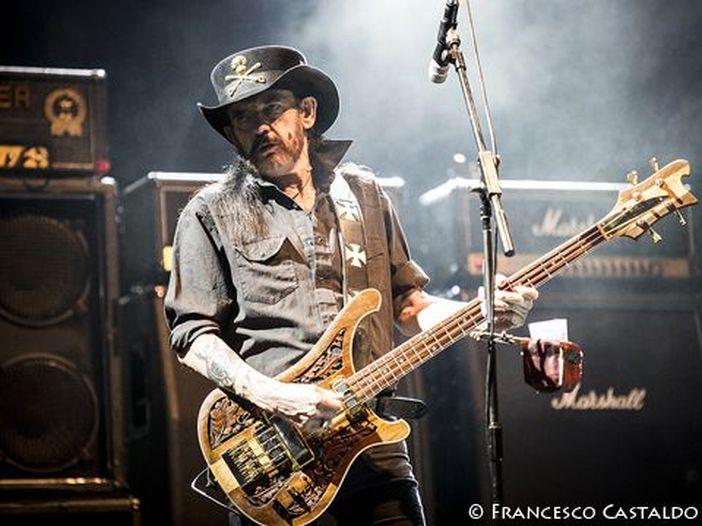 Le ceneri di Lemmy sono state messe in alcuni proiettili e inviate ai suoi amici