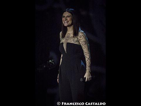 Laura Pausini, domani su Rai1 'Stasera Laura': ecco cosa è successo a Taormina