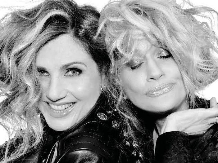 Lorella Cuccarini e Heather Parisi duettano in 'Tanto tempo ancora', la sigla di 'Nemicamatissima' - ASCOLTA