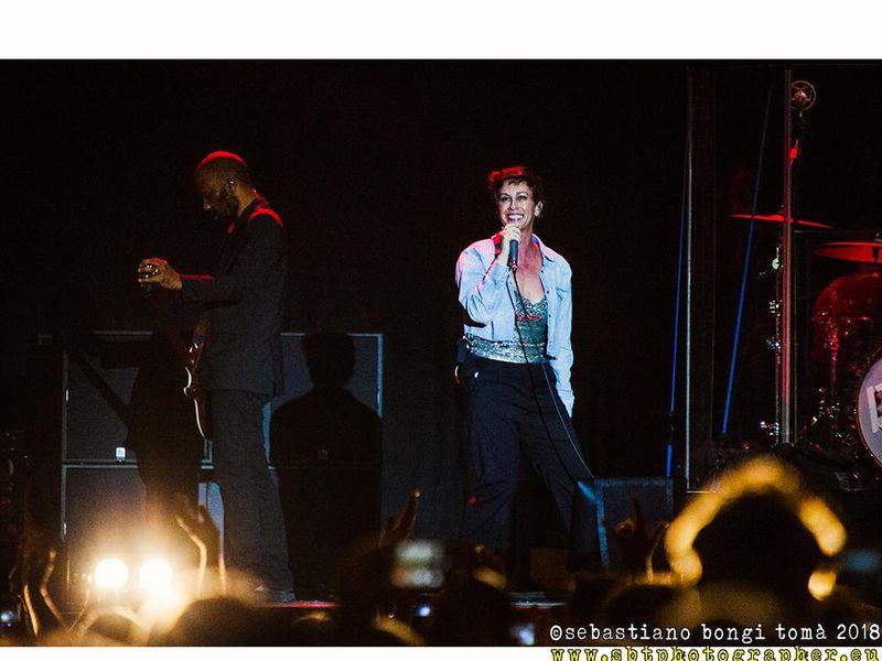 10 luglio 2018 - Pistoia Blues - Piazza del Duomo - Pistoia - Alanis Morrissette in concerto
