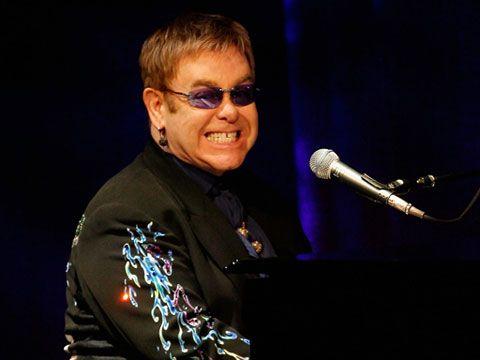 Elton John smentisce, niente secondo figlio