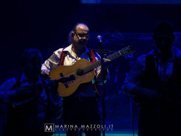 """Renzo Arbore, un prestigioso premio e un nuovo singolo, """"Esattamente come tu"""". VIDEO"""