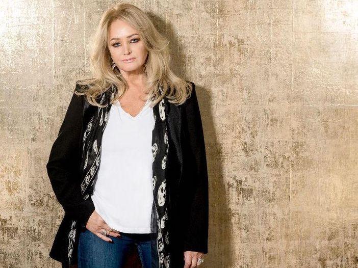 Bonnie Tyler accusa la casa discografica per il suo declino