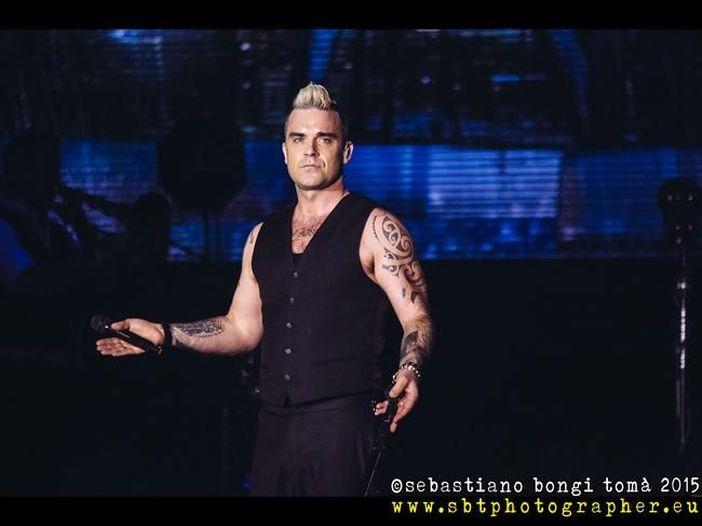 Robbie Williams si scusa con Jimmy Page per averlo definito 'mentalmente disturbato'