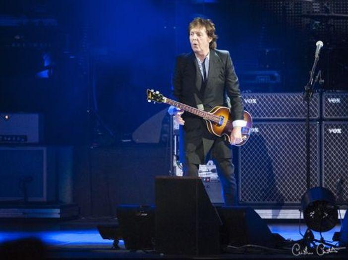 "Paul McCartney: ""Non suonavo 'Helter Skelter' dal vivo per colpa di Charles Manson"""