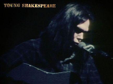 Neil Young cinquant'anni fa, essenziale e solitario - Voto 8/10