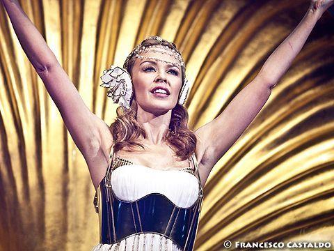 Kylie Minogue: 'Mi piacerebbe duettare con Lady Gaga'