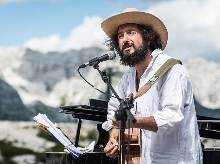 Concerti, Vinicio Capossela dal vivo in alta quota al No Borders Music Festival - GALLERY