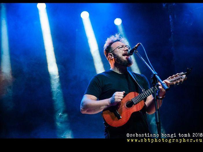 Chi è Ben Ottewell, il cantante dei Gomez in tour in Italia