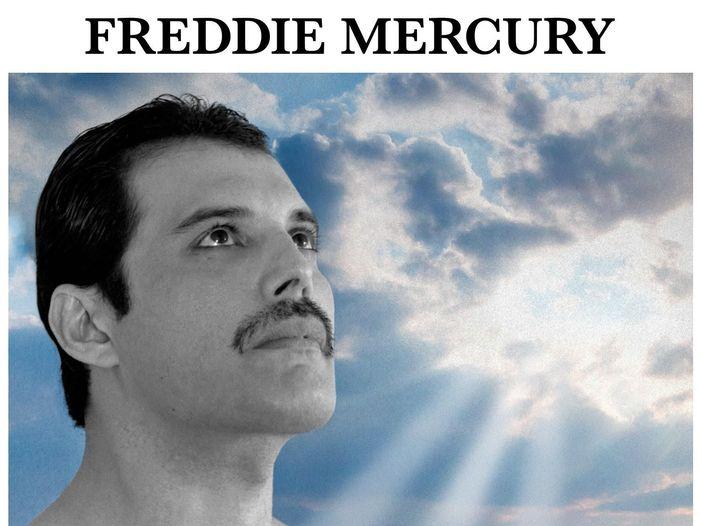 Quando Freddie Mercury si presentò con i baffi