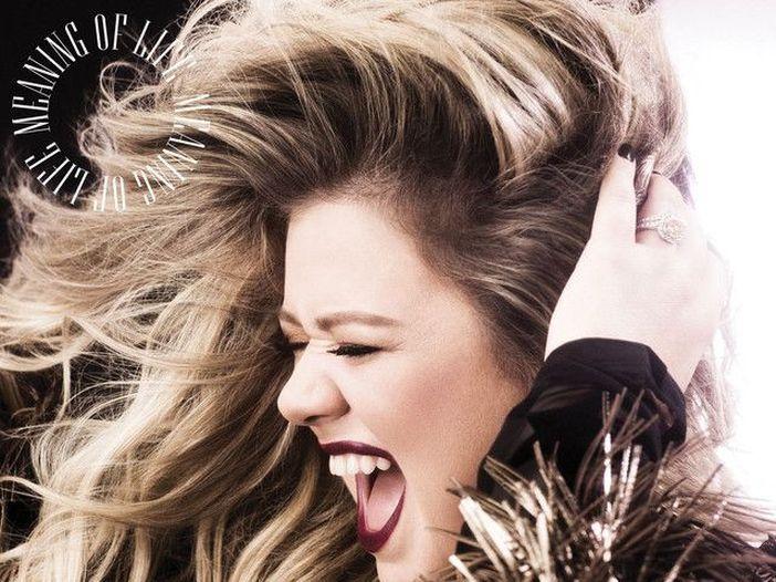 Kelly Clarkson, ecco la cover live di 'Make you feel my love' di Bob Dylan. Video