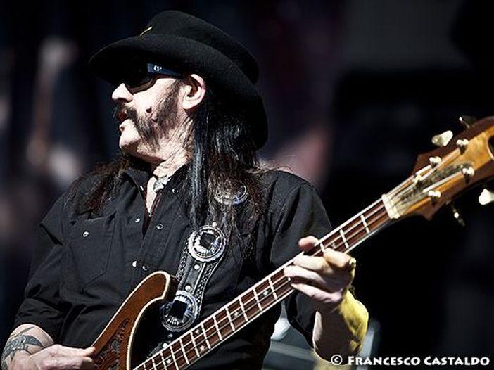 Lemmy Kilmister, il servizio funebre si terrà sabato e sarà trasmesso in streaming