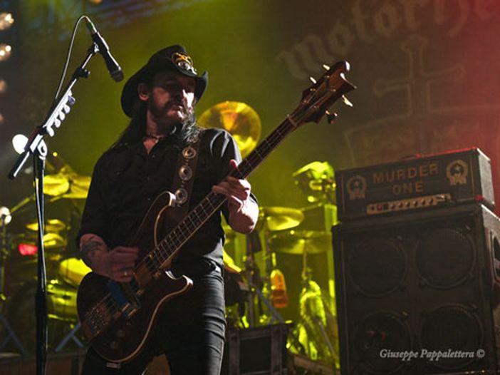 Motörhead: tour europeo rimandato, Lemmy non si è ancora ripreso