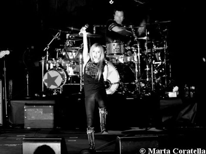 """Avril Lavigne - la recensione di """"Head Above Water"""""""