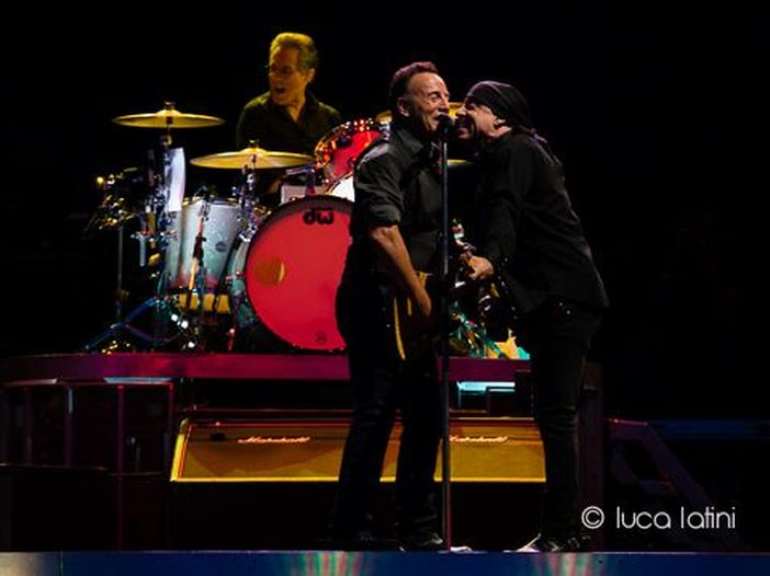 "Little Steven dirige Bruce Springsteen nella terza serie di ""Lilyhammer"""