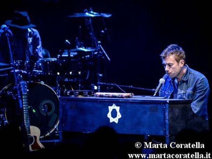 Damon Albarn: guarda qui il primo concerto solista a Manchester. VIDEO