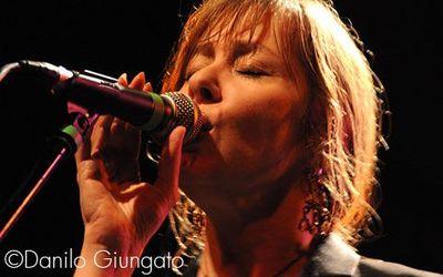 6 Luglio 2010 - Anfiteatro Romano - Arezzo - Suzanne Vega in concerto