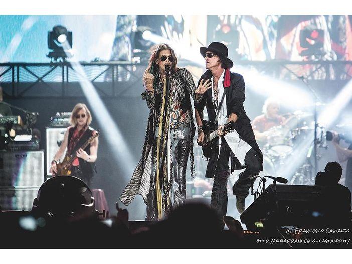 Aerosmith: 'Walk This Way' suonata con gli 'strumenti giocattolo' al Tonight Show di Jimmy Fallon - VIDEO
