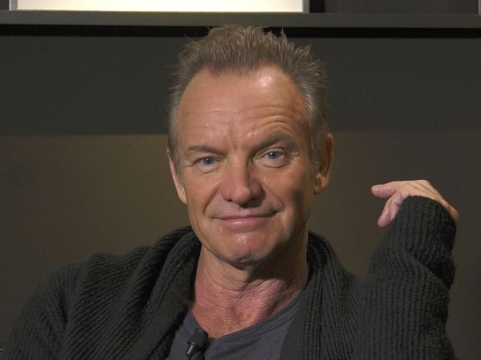 "Oscar 2017: Sting suona ""The Empty Chair"" - VIDEO"