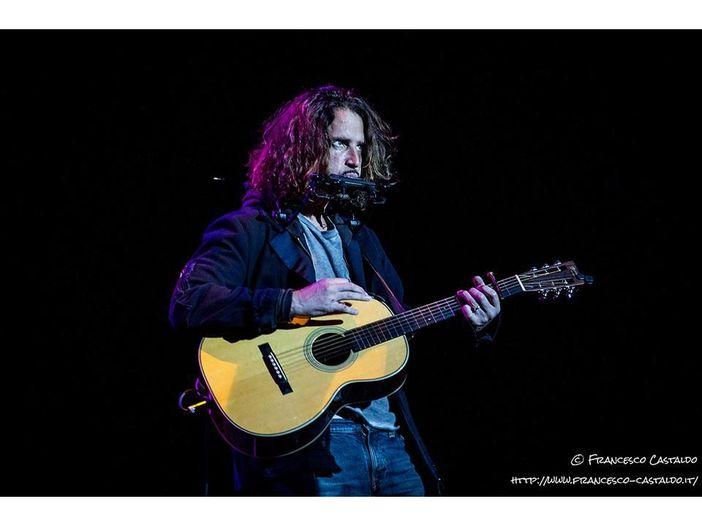 Chris Cornell: l'omaggio di Norah Jones sul palco del Fox Theatre di Detroit - VIDEO