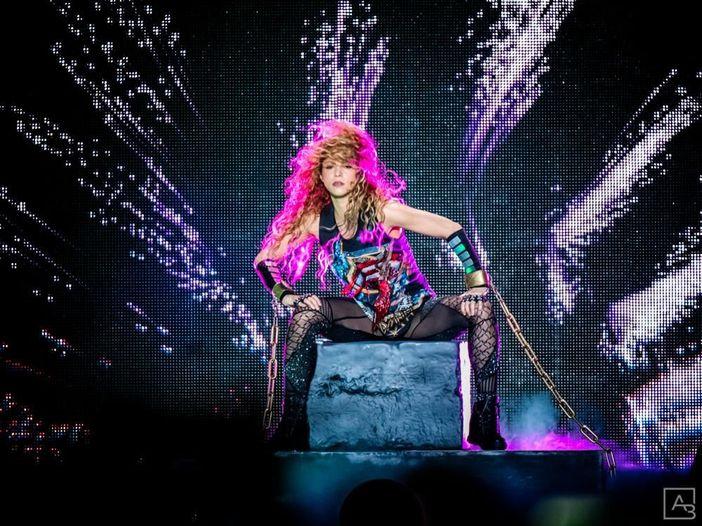Shakira canta 'Basket Case' dei Green Day